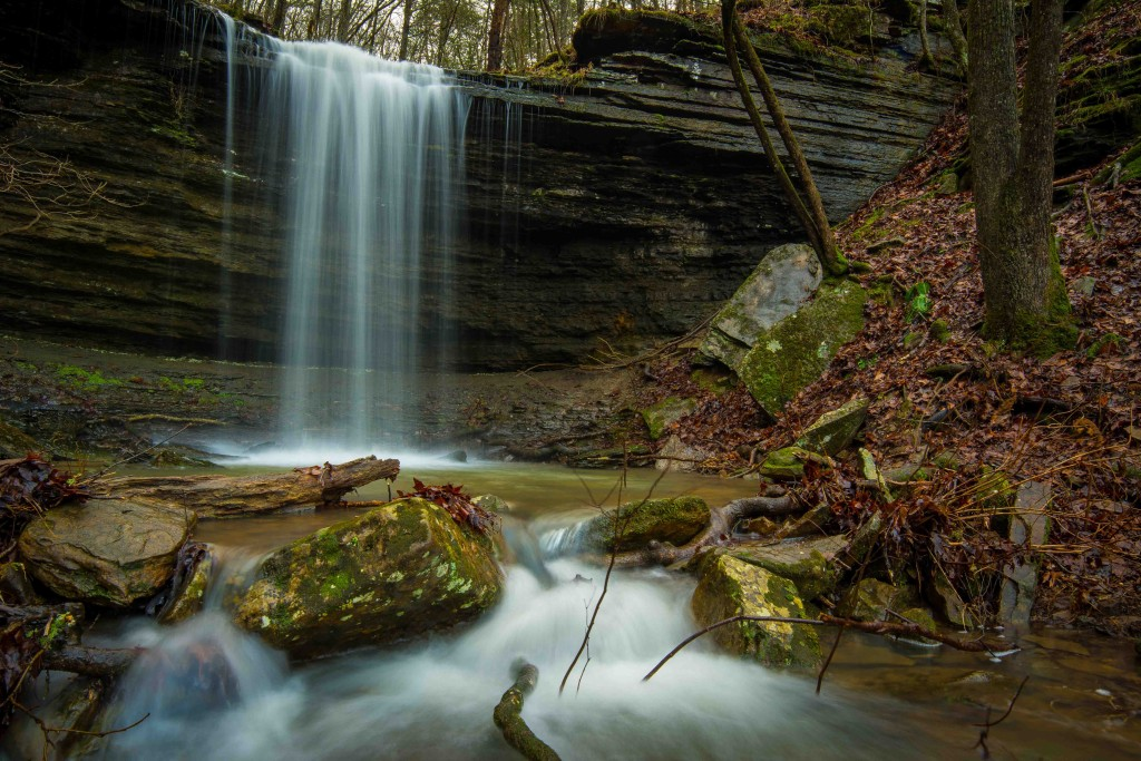Five Star Trails: The Ozarks, Ozark Mountain waterfalls, Natural Dam, Pigtrail Falls